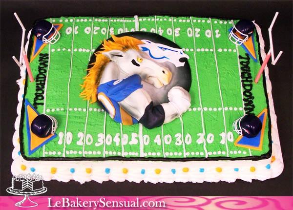 Broncos_Touchdown_Cake