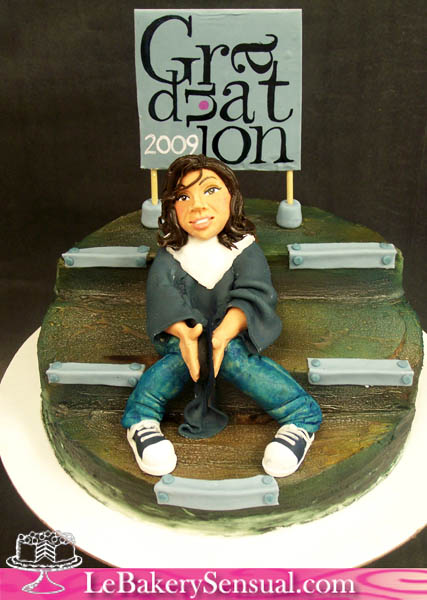 Graduation_figure_cake