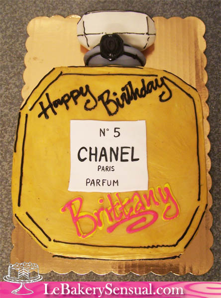 chanel_perfume_bottle_cake