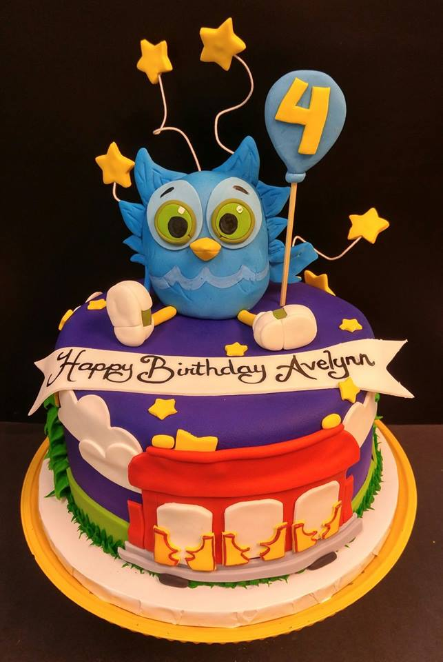 O The Owl Daniel Tiger S Neighborhood Cake Le Bakery